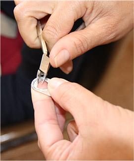 リサイクルのプルタブ 徹底した品質管理と日本に合わせた商品開発